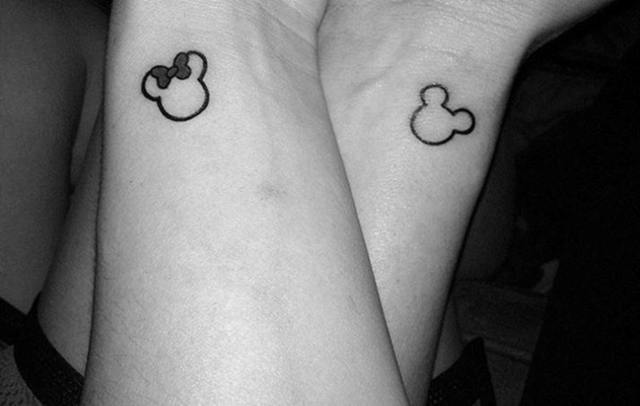 Minnie y Mickey Mouse tatuaje